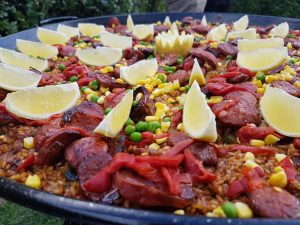 How to throw a paella party